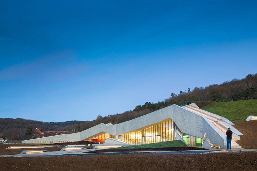 Lascaux-Cave-Art-Center-Montignac-Snøhetta-Casson-Mann-09