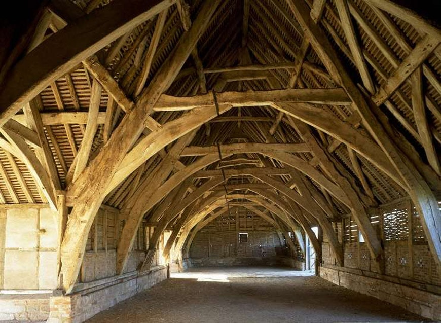 Leigh Court cruck framed barn