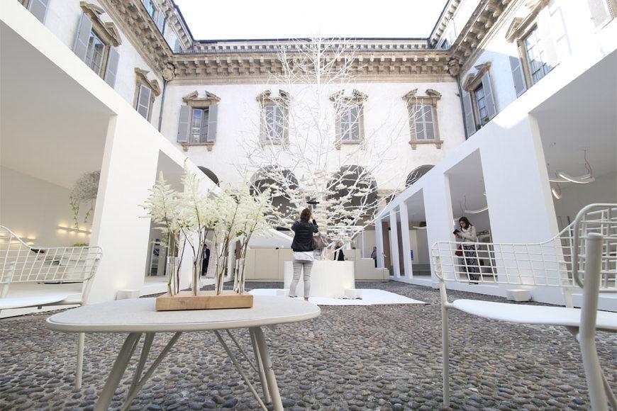 white-in-the-city-Oikos-white-on white-Palazzo-Cusani-3