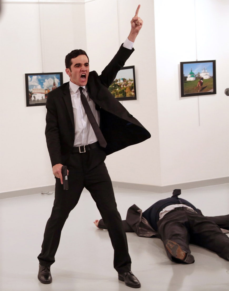 World Press Photo Award-2017-Burhan-Ozbilici-associated-press