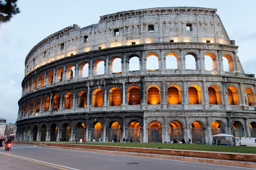 Contemporary Ancient Roman Architecture Colosseum With The When In