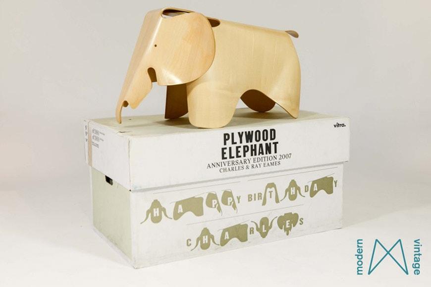 Vitra- Eames-Plywood-Elephant