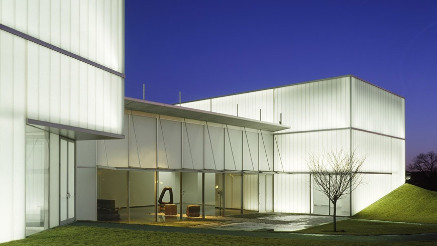 Nelson Atkins Museum of Art Kansas City Steven Holl Isamu Noguchi Court 2