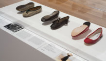 MoMa New York mostra is fashion modern scarpe