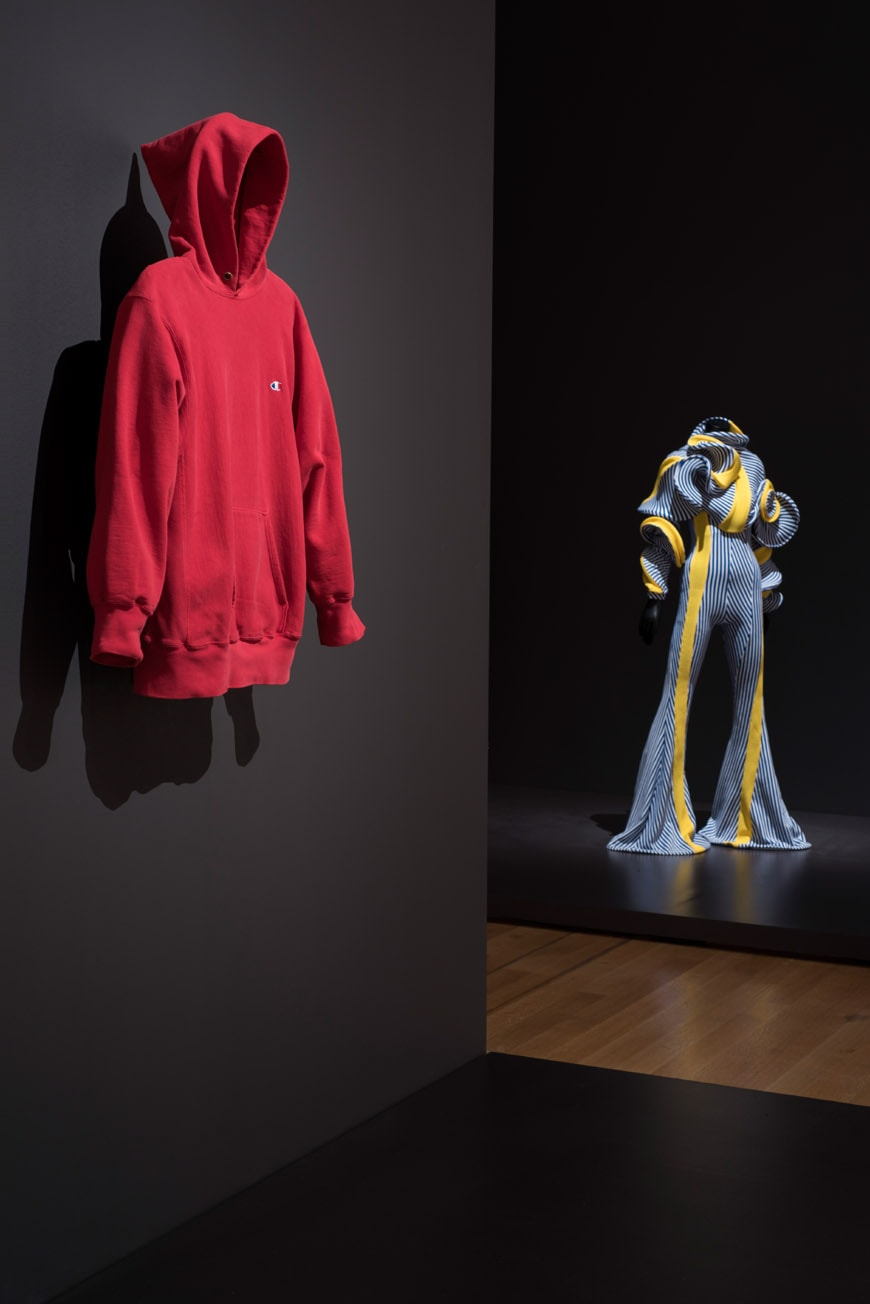 moma-is-fashion-modern-installation-view-03