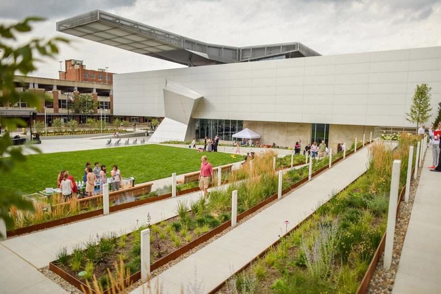 Akron Art Museum garden 1
