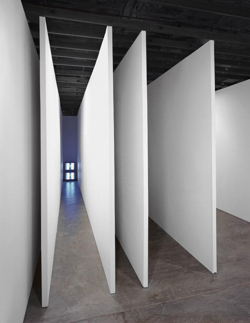 Bruce-Nauman-008-corridor-eciRGB-Schaulager-Basel-2018