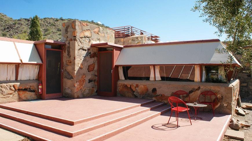 Frank-Lloyd-Wright-Taliesin-West-Sun-Cottage-exterior
