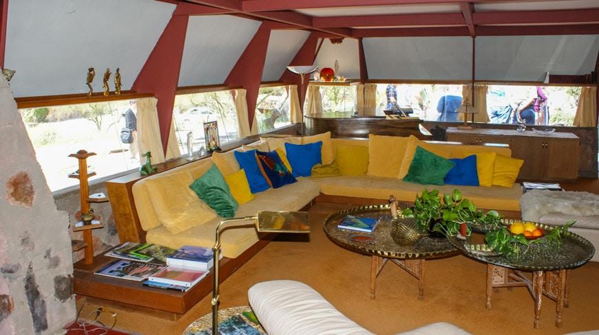 Frank-Lloyd-Wright-Taliesin-West-Sun-Cottage-interior