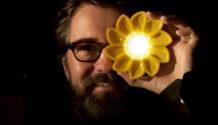 Olafur Eliasson Little Sun lampada fotovoltaica portatile
