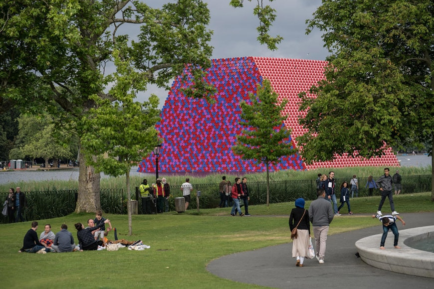 Christo London Mastaba floating installation Serpentine Lake Hyde Park 2018 02