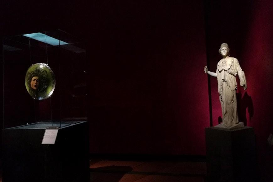 Florence-Uffizi-gallery-new-rooms-Caravaggio-Medusa