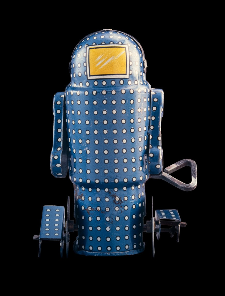 Vitra-black-box-16-Mechanical-Walking-Robo-oneya-Japan-c1965-10cm-Rolf-Fehlbau-collection-Foto-Moritz-Herzog