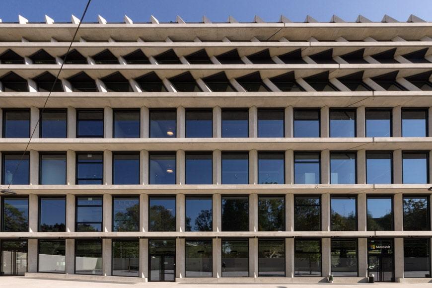 Feltrinelli Porta Volta Milan Herzog & de Meuron facade Inexhibit