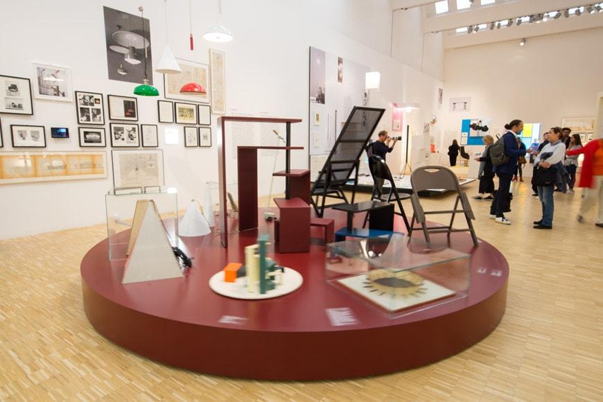 Triennale-a-Castiglioni-mostra-piano-primo-panoramica-inexhibit