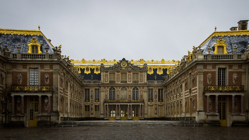 Royal Palace of Versailles exterior 1
