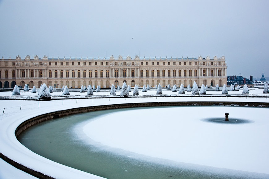 Royal Palace of Versailles exterior 2