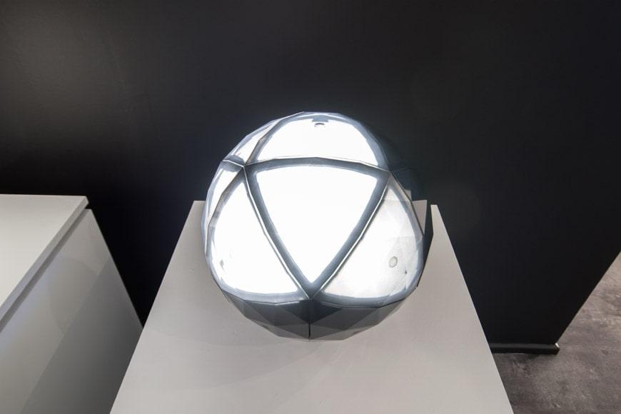 milano-design-week-2018-Artemide-Huara-lamp-Elemental-foto-Inexhibit-7b