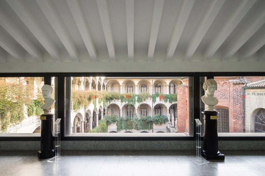 Biblioteca Ambrosiana museum Milan 09