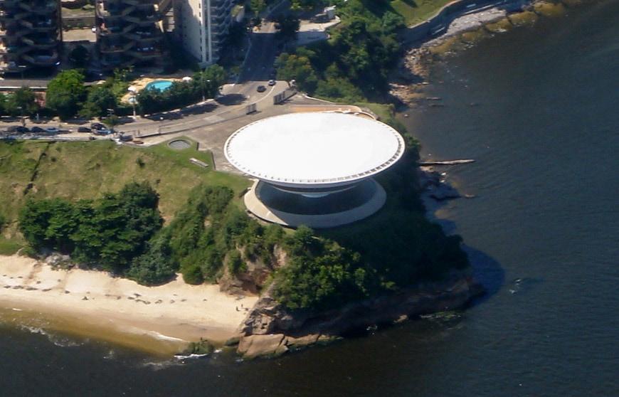 Museu de Arte Contemporanea de Niteroi Oscar Niemeyer aerial