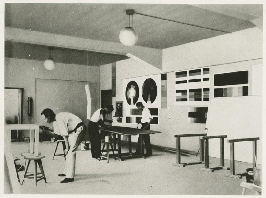 itsalldesign-design-museum-denmark-08-Das-Bauhaus-mural-workshop
