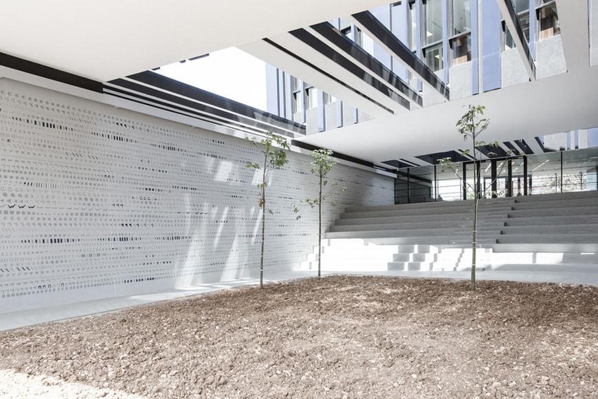 byblos-town-hall-courtyard-2-hashim-sarkis