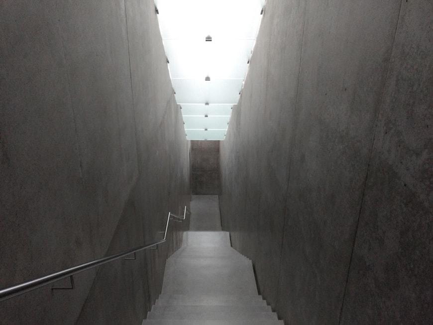 KUB Kunsthaus Bregenz, Peter Zumthor stairwell interior