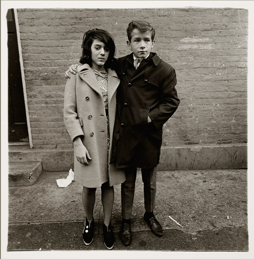 Barcelona-exhibitions-winter-2029-spring-2020-caixaforum-Diane-Arbus-Coppia-adolescenti-NYC-1968