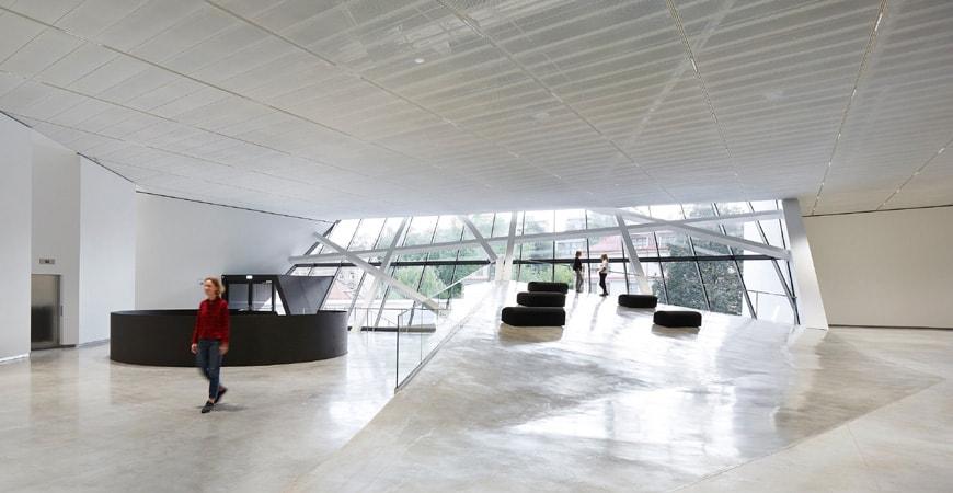 Daniel Libeskind MO Museum Vilnius Lithuania interior 2