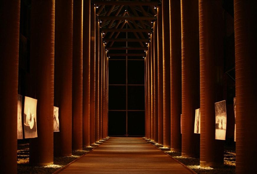 Shigeru Ban Nomadic Museum 4
