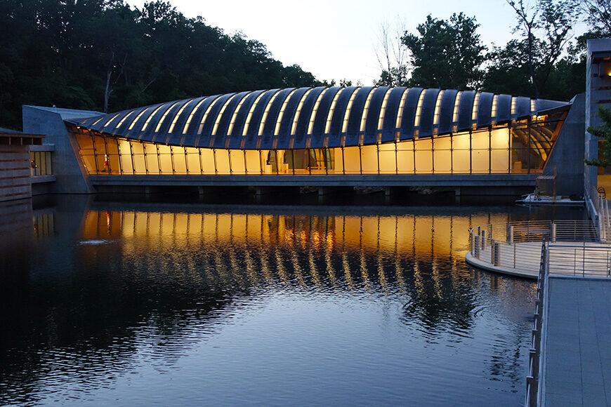 Crystal Bridge Museum of American Art, Moshe Safdie, exterior 1