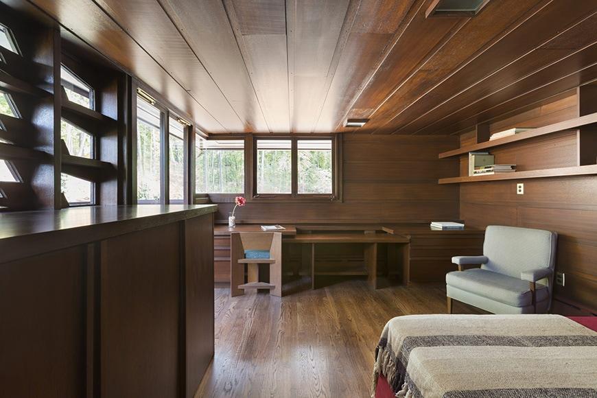 FL Wright Bachman-Wilson House guest bedroom