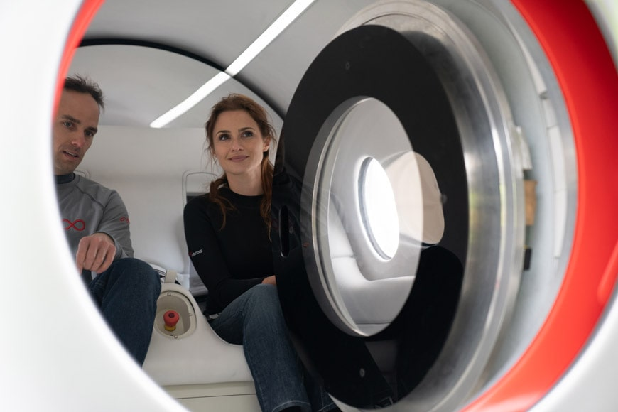 04_BIG_Virgin-Hyperloop-Pegasus_First-Passengers_Image-Courtesy-Virgin-Hyperloop (1)