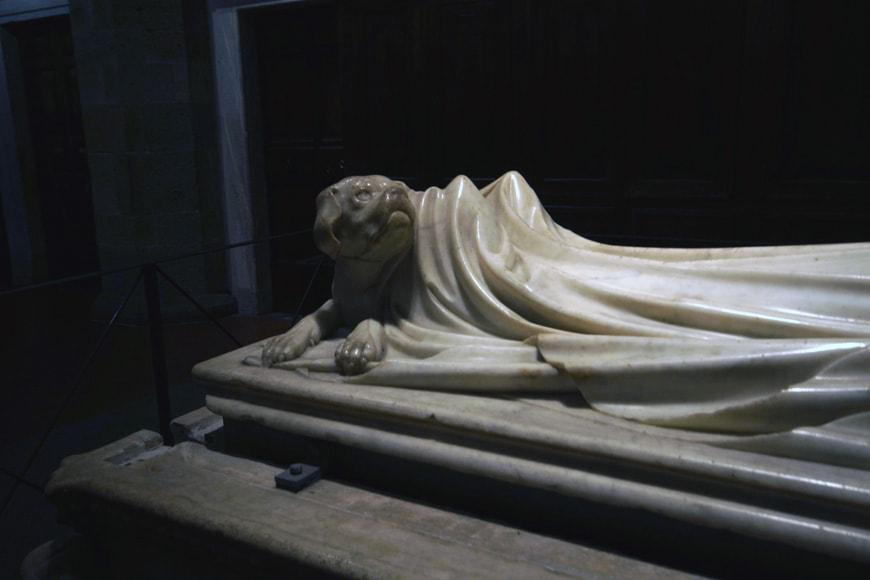 Jacopo della Quercia-Tomb-of-Ilaria del Carretto-Lucca-Tuscany-Italy-detail-02-photo-inexhibit
