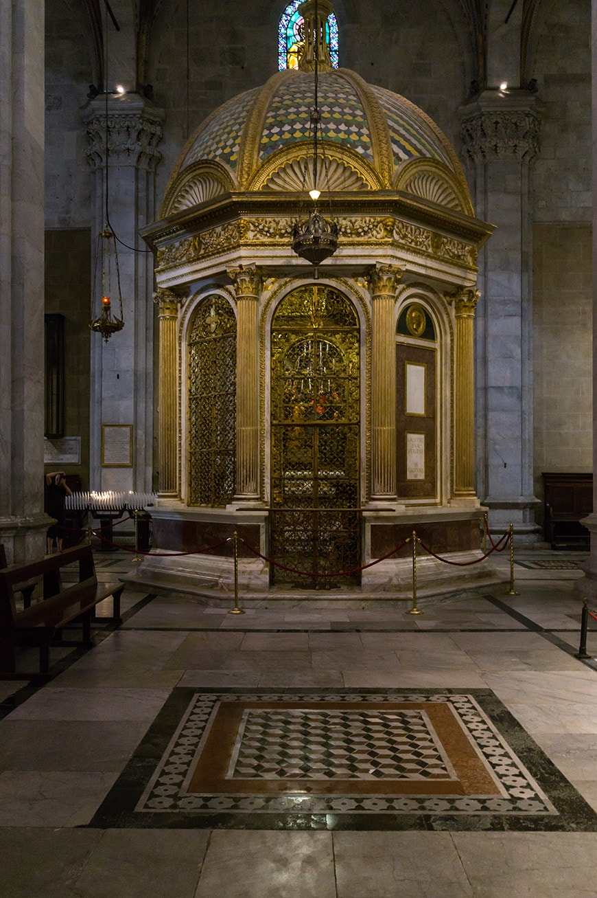 Lucca Cathedral, Holy Face of Lucca chapel shrine, photo inexhibit