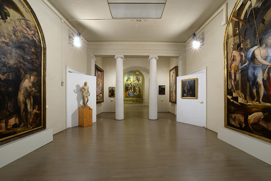 Pinacoteca Nazionale Siena Museum, interior 1