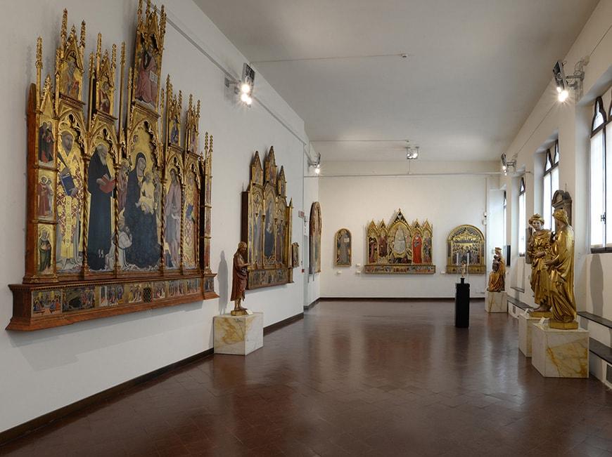 Pinacoteca Nazionale Siena Museum, interior 2