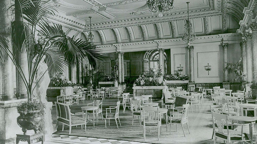 Hotel-Savoy-London-1910