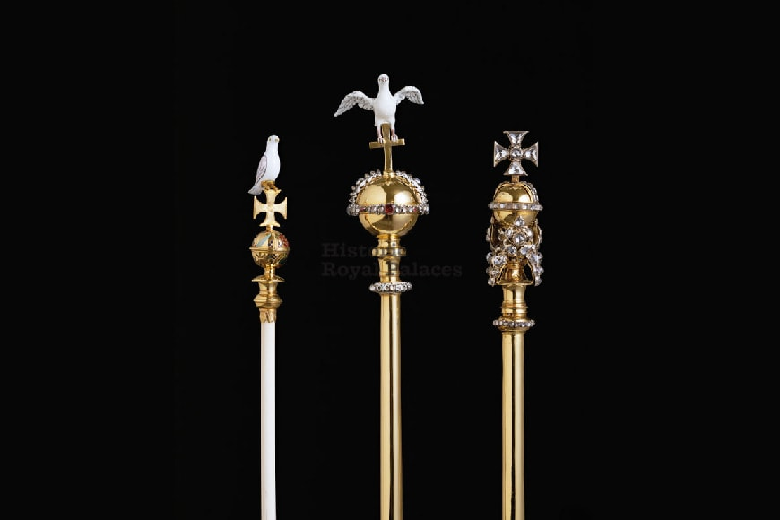 Tower-of-London-Crown-Jewels-scepters