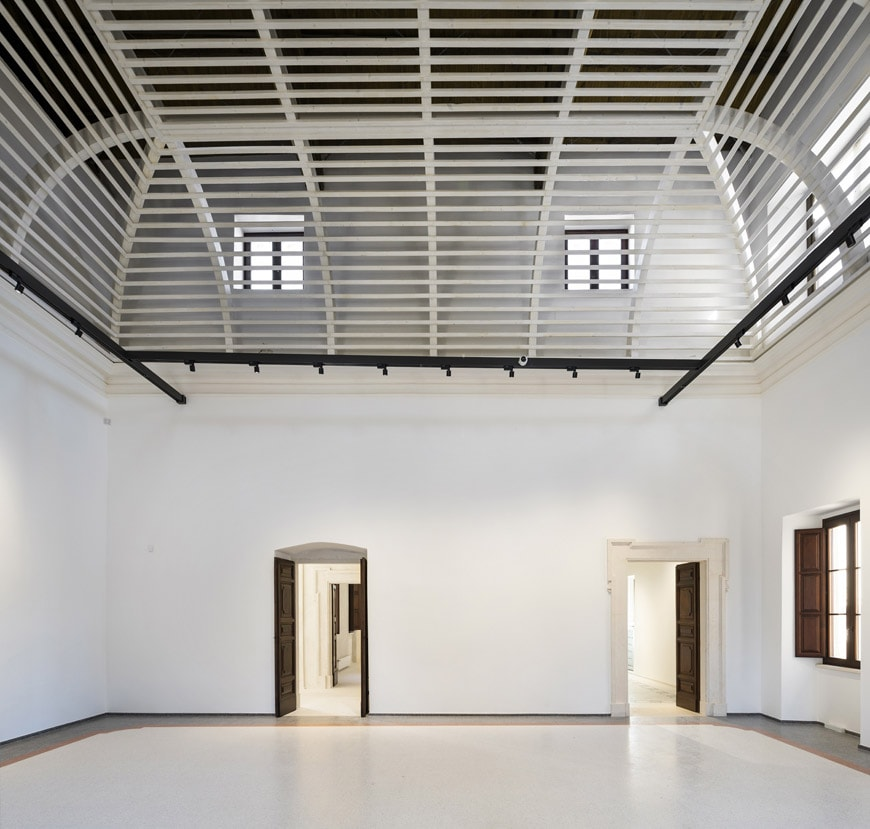 MAXXI-L'Aquila-15-Palazzo-Ardinghelli-Restaurato-SalaVoliera-photo-Andrea-JEMOLO