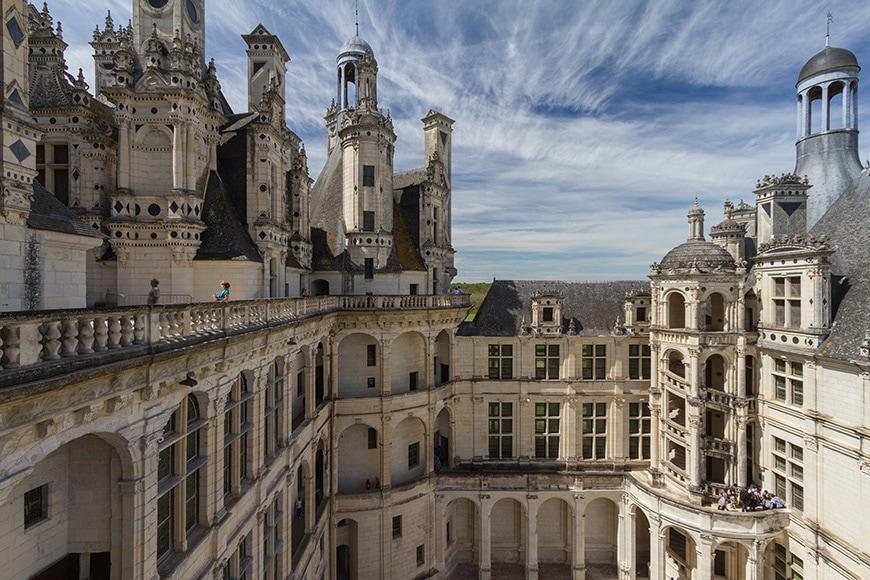 Chateau-de-Chambord-castle-courtyard