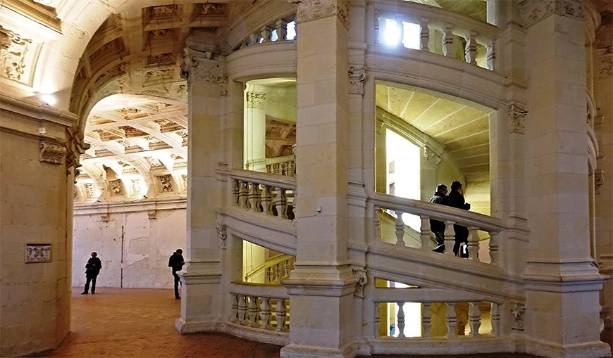 Château de Chambord castle, double helix staircase 1