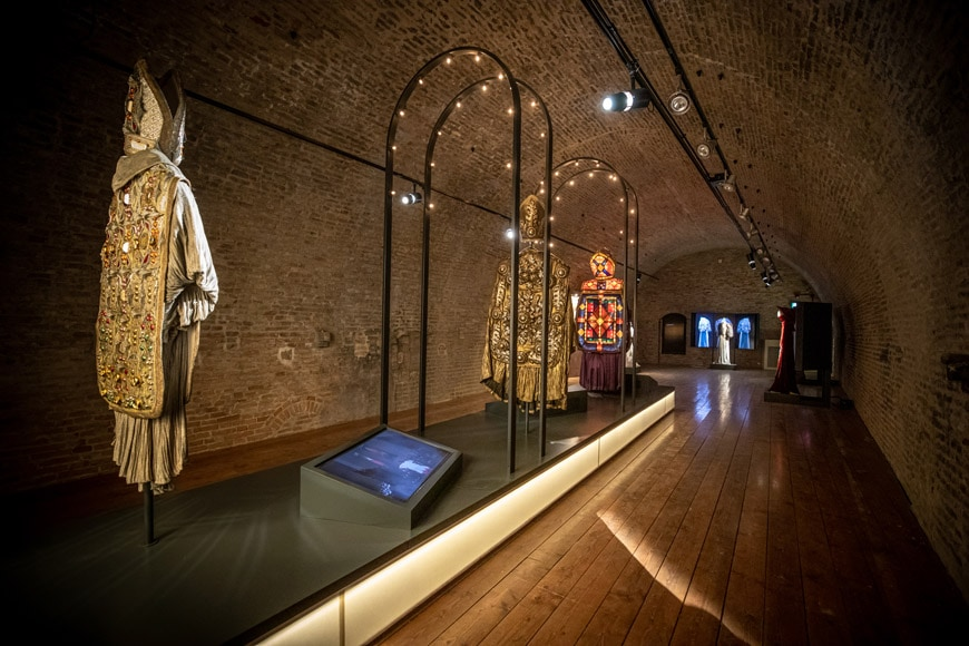 Fellini Museum Rimini, permanent exhibition, scene clothes