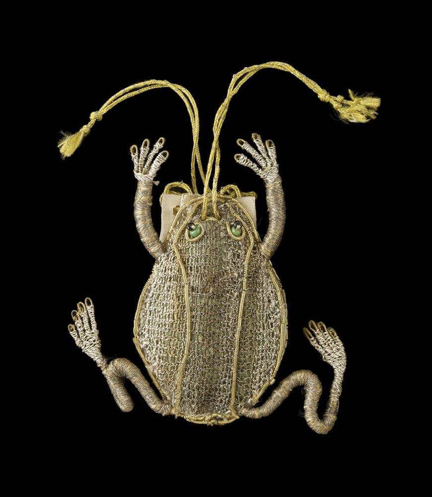 Frog-Purse-1600s-Ashmolean Museum-University-of-Oxford